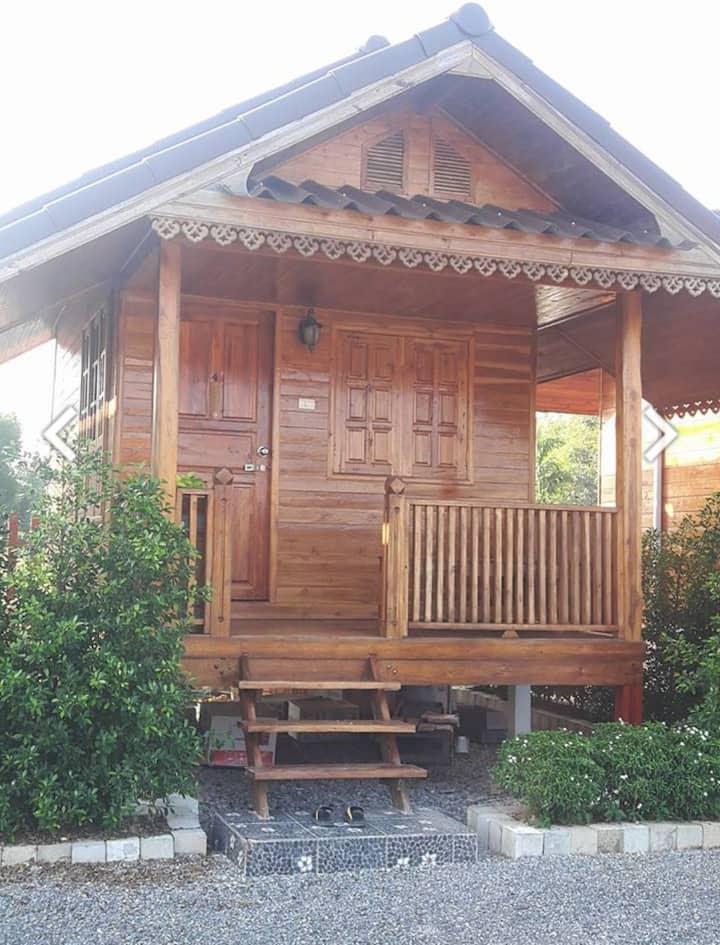 Cozy little wood home in Chiangrai,Imsuk -4