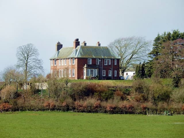 Cumbrian Mansion for up to 24 - Carlisle - Дом