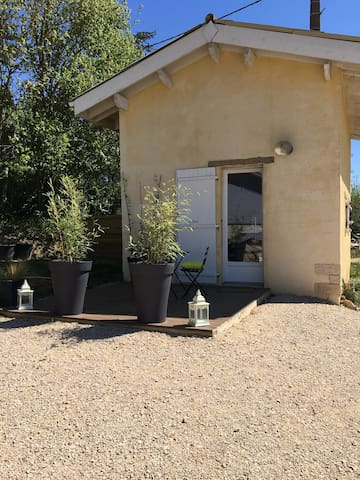 mini maison style cabane houses for rent in tachoires languedoc roussillon midi pyr n es france. Black Bedroom Furniture Sets. Home Design Ideas