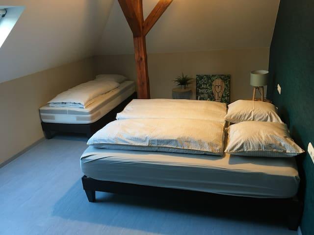 chambre N°3 pour 3 personnes