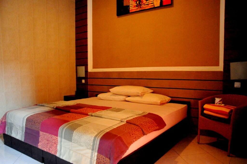Low budget hotel accomodation in jimbaran bali wohnungen for Low budget hotel