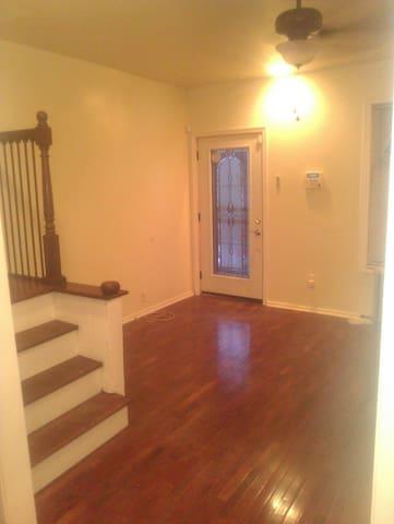 Renovated home nfl draft - Philadelphia - Rumah