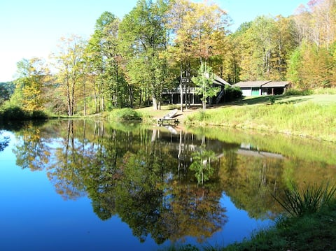 Private Mountain Retreat with Beautiful Pond