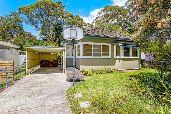Family and pet friendly beach house - Pearl Beach