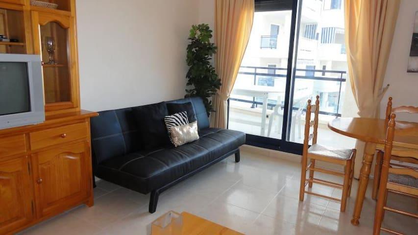 2 bedroom luxorious modern flat.