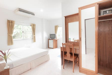 Double Bed R., HKT, Naiyang Beach - Apartmen