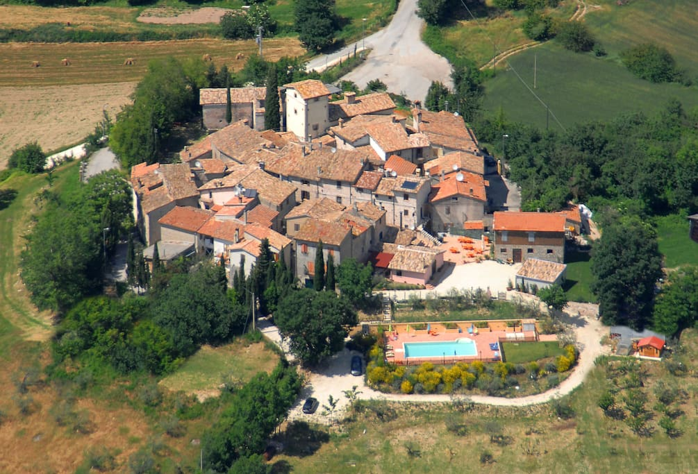 veduta aerea- view from the above fo the hamlet of Messenano