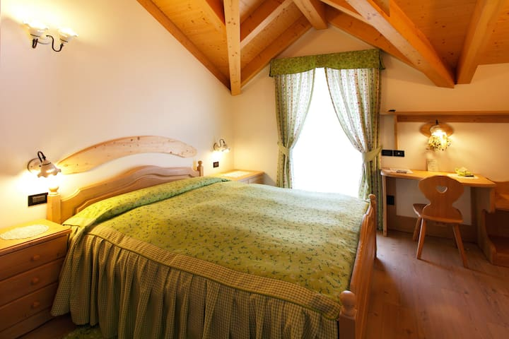 B&B Casa dei Ricci in the Dolomites - Male' - Penzion (B&B)