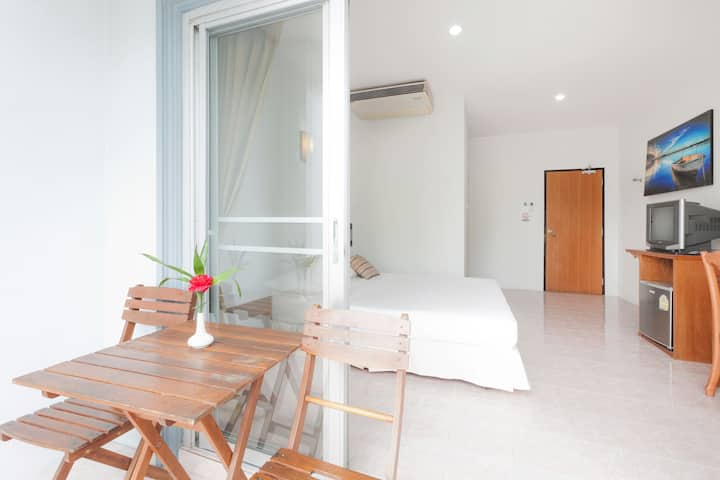 Double Bed & Balcony.HKT, Naiyang B