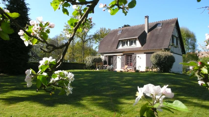 Guest House in Normandy - Louviers - Bed & Breakfast