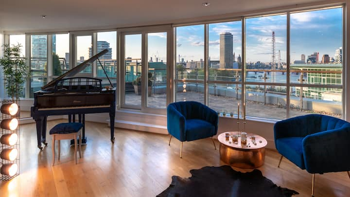 OUTSTANDING THAMES-VIEW LUXE-NOMAD FAMILY HOME!