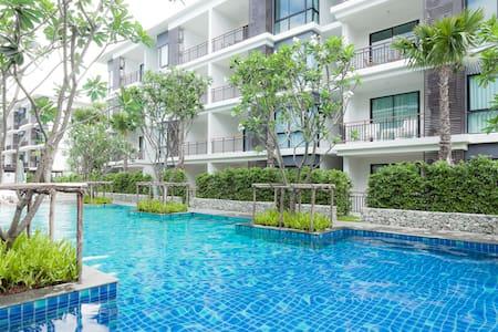 Beach front apartment Rawai Phuket - rawai