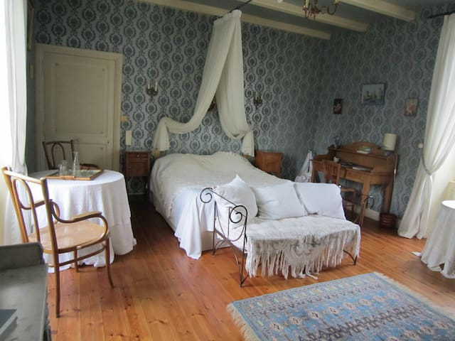 Real France as many of you told us! - Puyravault - Bed & Breakfast