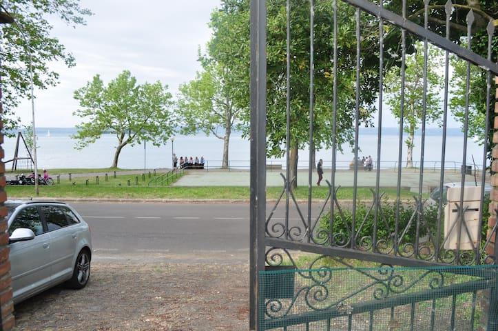 Affittasi casa sul Lago di Bolsena - Capodimonte - Huis
