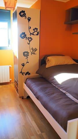 Maisonette-Wohnung am Stadtpark/City-Nähe - Figueres - Leilighet