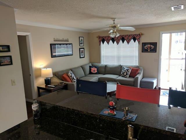 Auburn Condominium - Harry's House