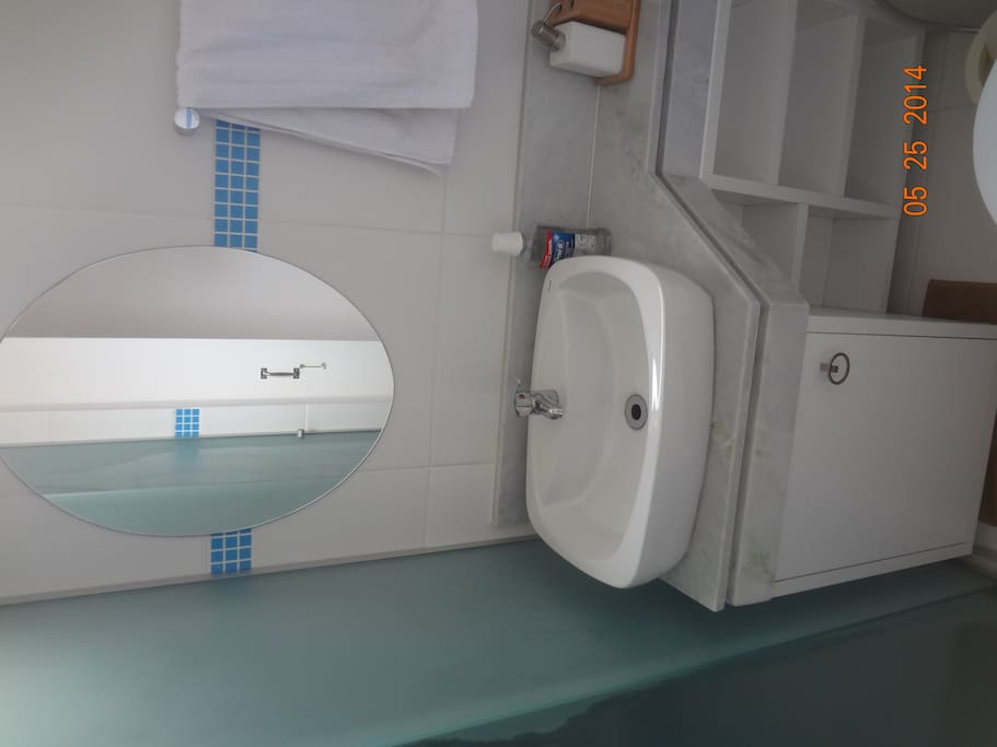 Bathroom 1 - Bagno 1 - Banheiro 1