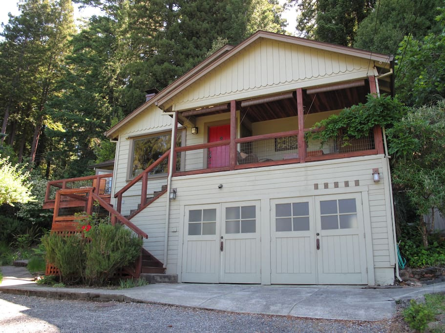 Red door retreat maisons louer guerneville californie tats unis - Maison hillside gipsy a berkeley en californie ...