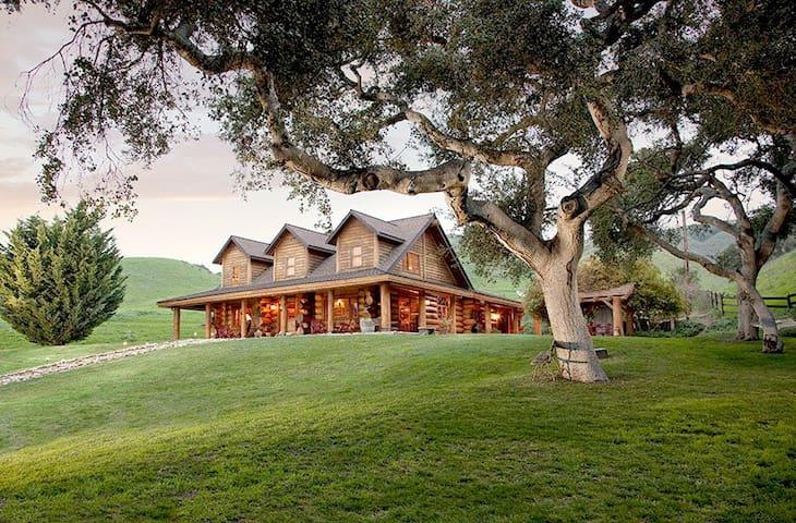 Gorgeous Log Home - Lompoc - Huis