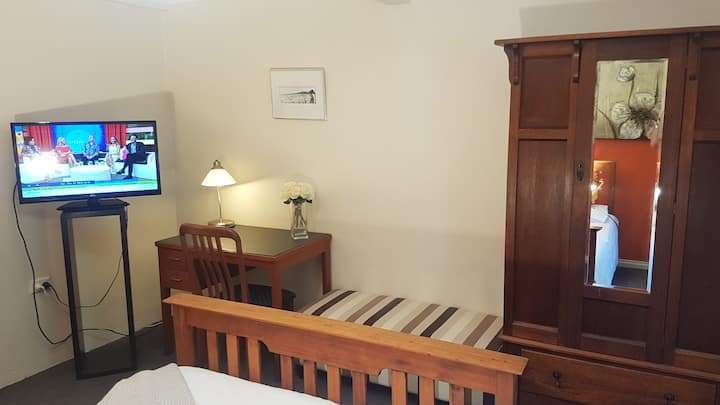 Private Room (9) Charming Coogee Beach Guest House