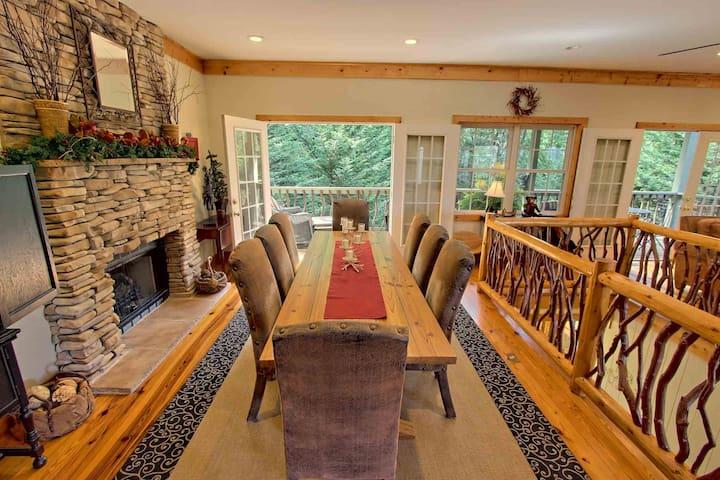 Beautiful Mtn home, 4King BR, 4.5baths, amenities