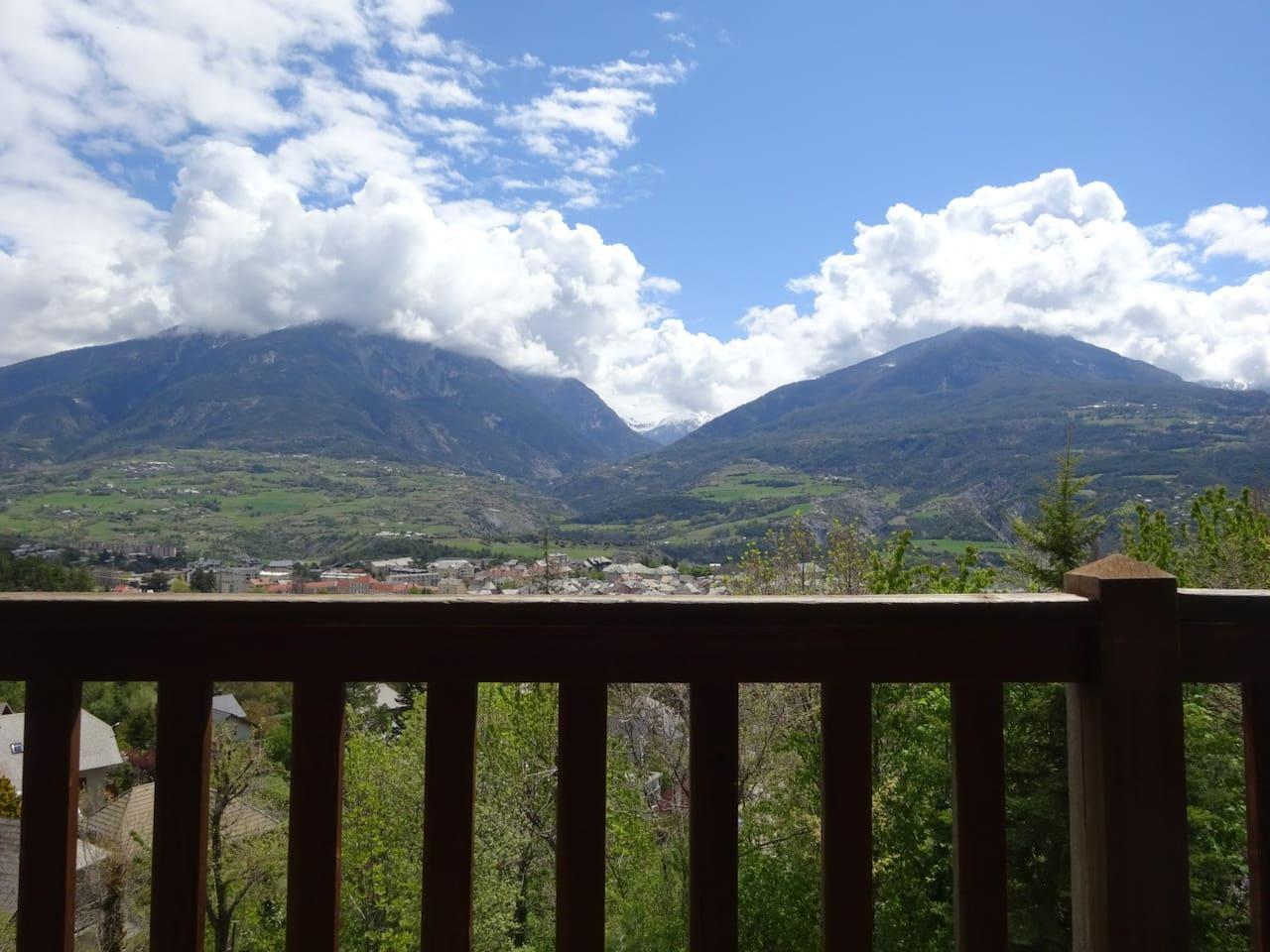 vue de la. vallée de Crévoux depuis le balcon
