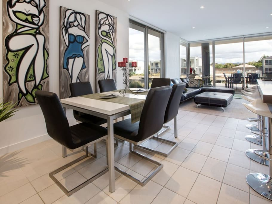Stylish dining  and living areas, beautiful views night and day.