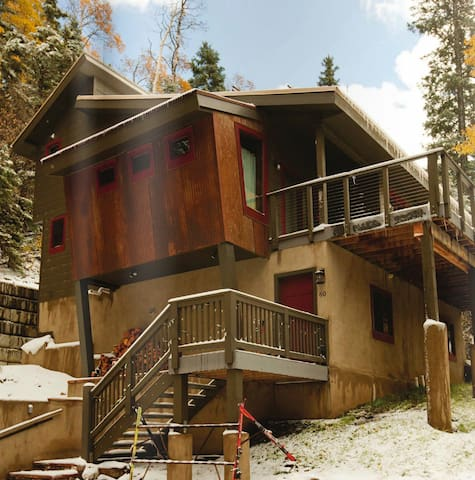 Laid-Back Luxury Ski/Hike Chalet - Taos Ski Valley - Casa