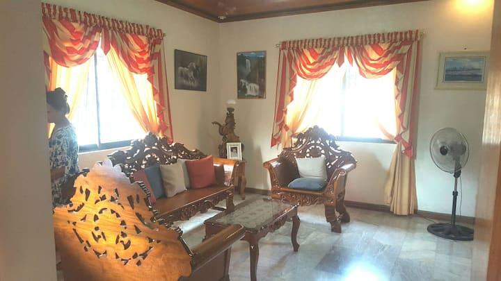 Balayan Batangas Spacious Home 20mins from Beach