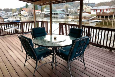 Fish Off the Deck in the Keys 2BR 2BA w/ Boat Dock