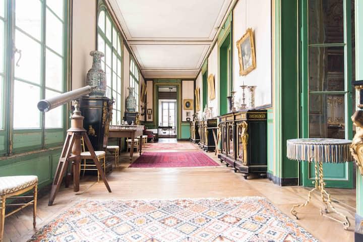 """Château Longecourt """"La Tour"""" Suite"""