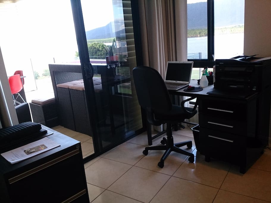 Office opens onto balcony. Wifi and printer available.