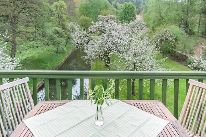 Landhaus-Appartement mit Balkon - Neunburg vorm Wald - Lägenhet