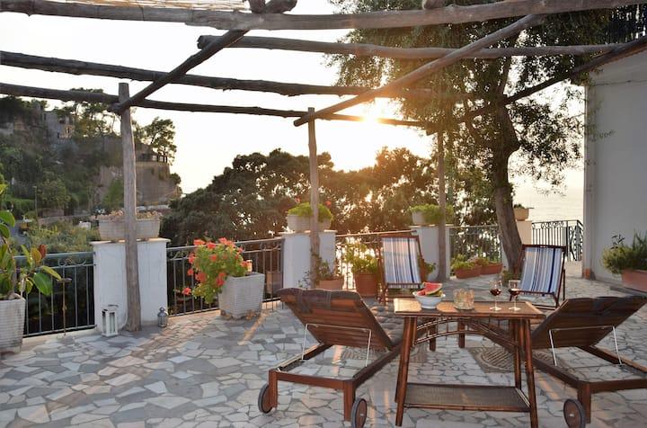 Seafront villa with annex on Sorrento Coast