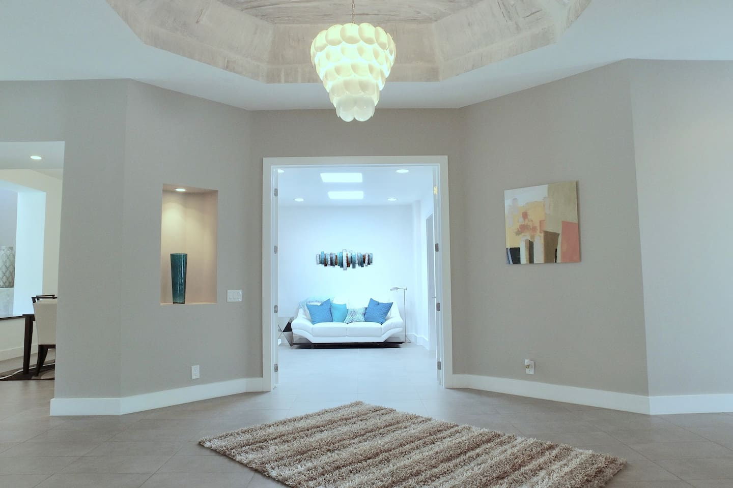 Entry Hall w View Of Sleeper