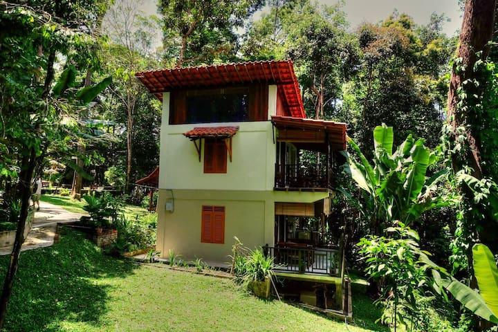 Twinkle Villa Janda Baik - Resak House