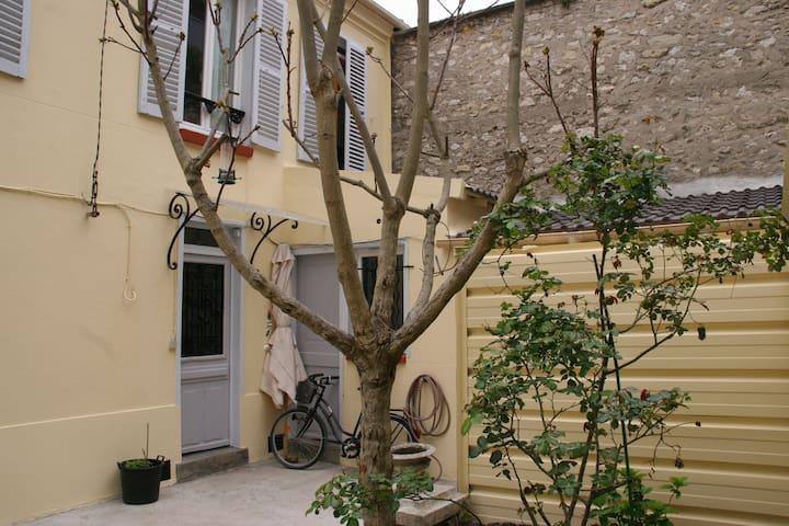 Belle maison au coeur de Montrouge  - Montrouge - Casa