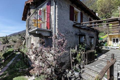 Renovated Rustic Home near Locarno/ Lake