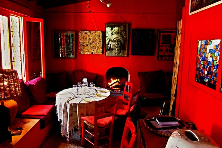 Gardens of Irini - Lily Cottage - Kyrenia - Bed & Breakfast