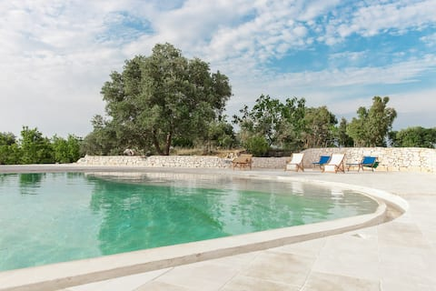 Stylish Trullo with pool & terrace