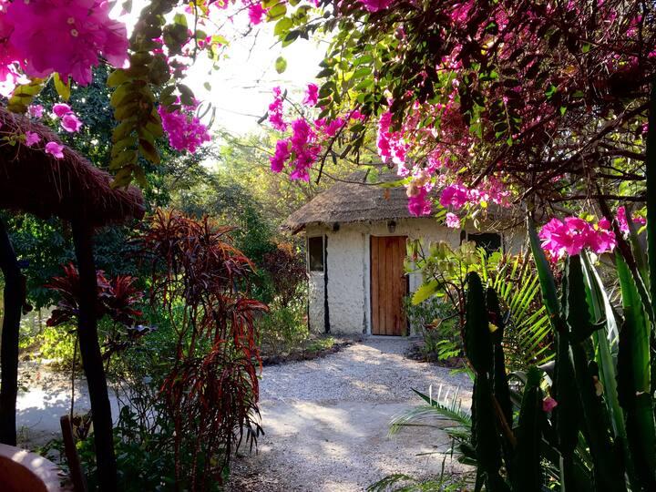 Kaira Bungo Roundhouse near Footsteps Eco-Lodge