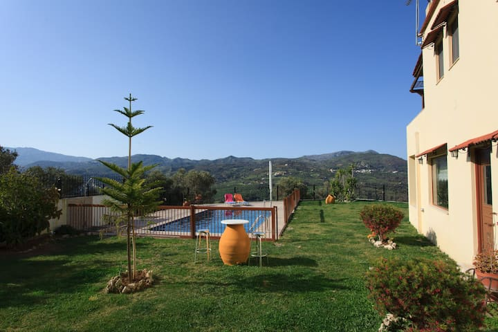 Loudis Villa,private pool & garden! - Rethymno