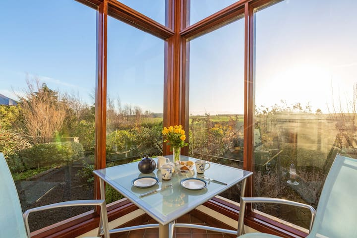 Thairn Cottage Peaceful Spacious Cottage 3 miles from Kelso minimum stay 2 nights