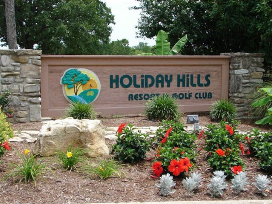 BRANSON HOLIDAY HAVEN AT THE BEAUTIFUL HOLIDAY HILLS RESORT & GOLF CLUB.
