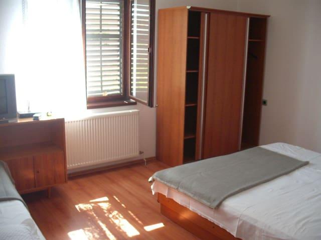 Nice apartment for 2-3 persons - Murter - Rumah