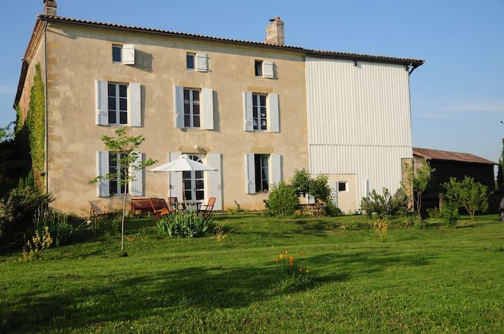 grande maison à la campagne - Barie - Hus