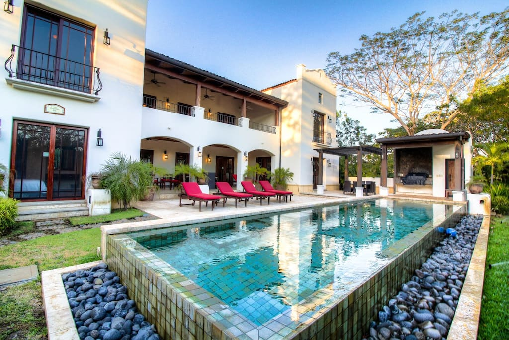 Infinity Pool, Lounge Chairs and BBQ for a complete outdoor experience