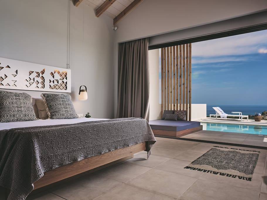 BEDROOM WITS SEA VIEW