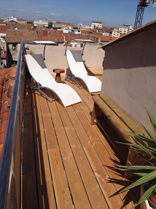 Terrasse avec ses 2 transats