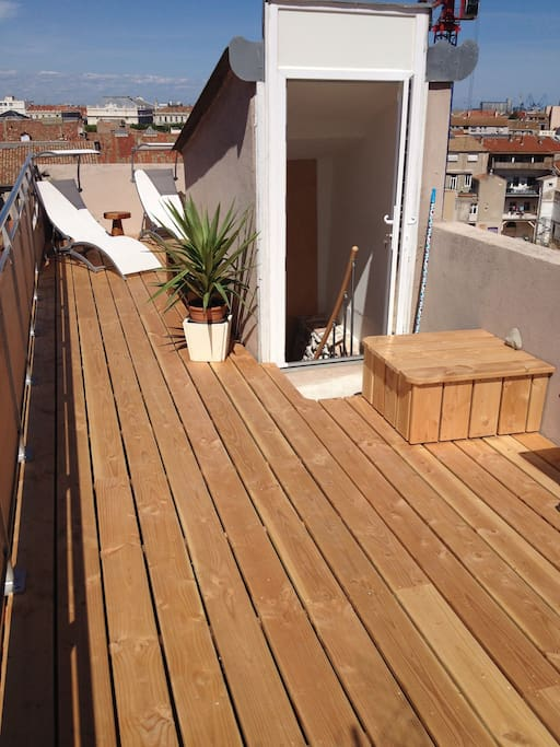 Appt atypique 120m terrasse vuemer s te for Terrasse atypique
